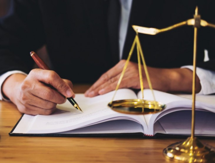 How to choose the best lawyer for your needs?